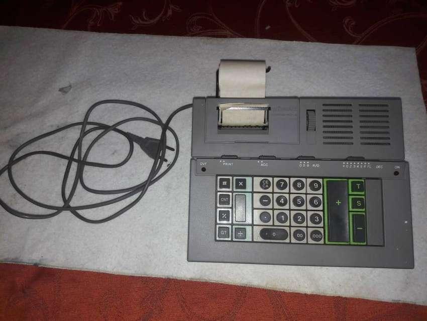 Calculadora electrica OLIVETTI