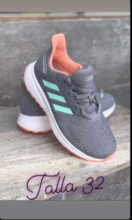 Zapatillas originales Adidas talla 32