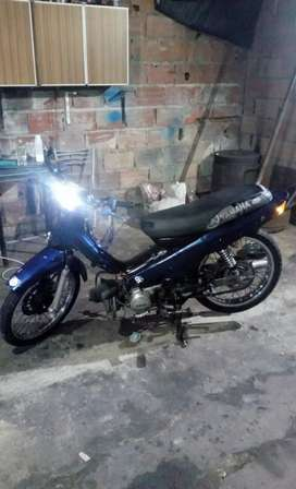 Vendo o permuto Yamaha sigma