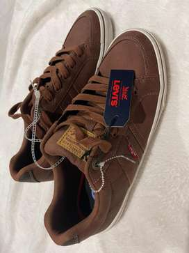 Vendo zapatos casuales deportivos Levi's