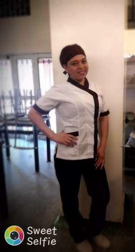 Busco empleo como auxiliar de cocina o lavaplatos tengo muy buena experiencia le gusta ayudar colaboró mucho