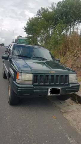 Se vende Jeep Grand Cherokee limited