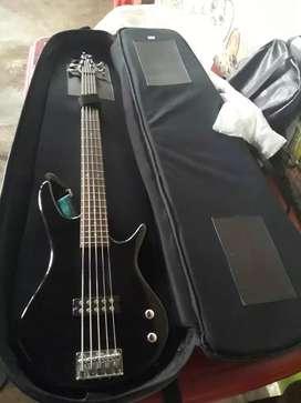 Vendo un instrumento musical  (bajo) Marca Ibanez