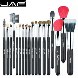 Set de 18 brochas Jaf