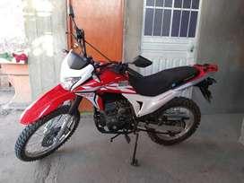 EN VENTA MOTO SEMINUEVA RONCO X-PLORER 200H