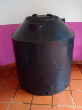 Vendo tanque de agua de 1.000 litros a reparar