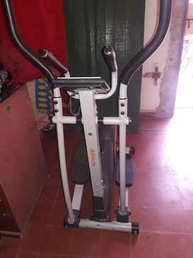 Vendo bici eliptica exelente estado 1 mes de uso