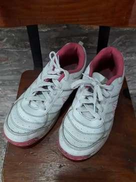 Zapatillas usadas talle 35 ituzaingo