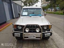 Vendo camioneta galloper hyundai 4x4