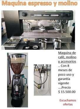 Maquina de cafe, molino y accesorios