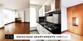 hermoso y amplio apartamento con acabados de lujo en la mejor zona de la bogotá