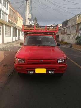 Camioneta Toyota Hilux 94 Roja 2 Puertas