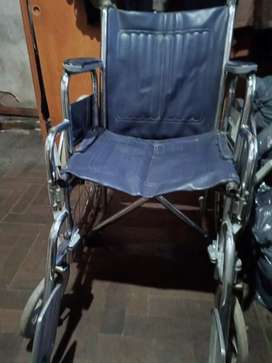Silla de ruedas plegable y desmontable