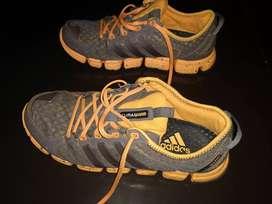 Zapatilla Adidas original talle 42