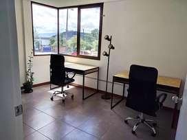 Alquiler / Renta / Arriendo Oficina coworking sector la Floresta, la Couña