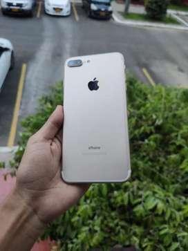 iPhone 7 Plus con accesorios