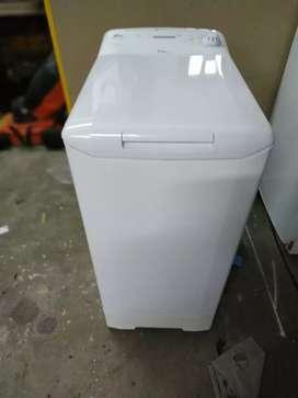 Lavarropas automatico, CANDY 861D 6Kg 800 RPM 15 programas ,selector de temperatura y RPM,blanco sin detalles!!!