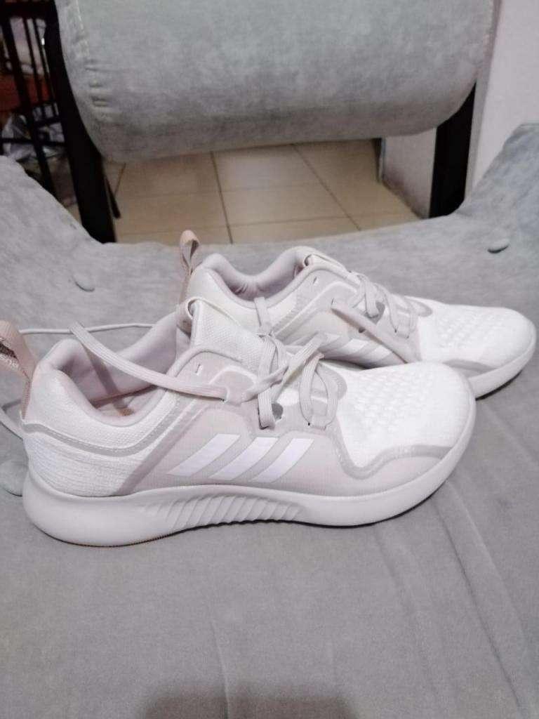 Zapatos adidas ariginales nuevos 0