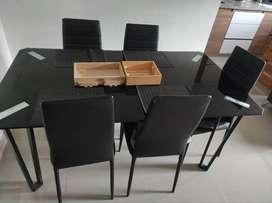 Se vende comedor 6 puestos y mueble