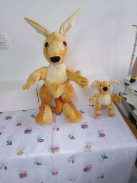 Muñecos personalizados anti alérgicos echos a mano por por mujeres cabasas de hogar.
