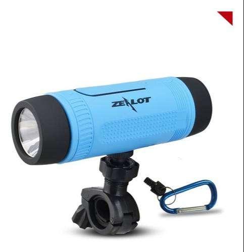 Parlante S1 Con Linterna Y Soporte Impermeable Bluetooth