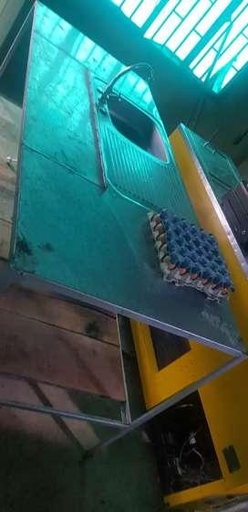 Mesa de trabajo en acero con lavaplatos en aluminio