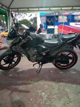 Hermosa Honda invicta 150