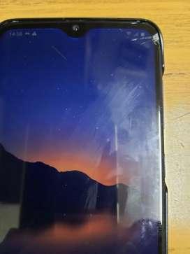 Samsung A70 libre  pantalla con detalles
