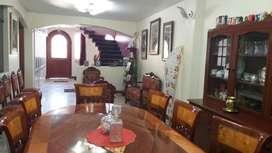 Se remata hermosa y amplia casa a media cuadra de la Plaza de Armas de Camaná