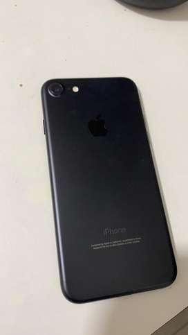 Iphone 7 de 32 gb completamente nuevo sin usar con cargador y audifonos