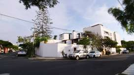 Se alquila casa (un piso) en Miraflores.