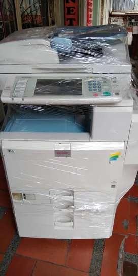 Fotocopiadora ricoh mpc 4501