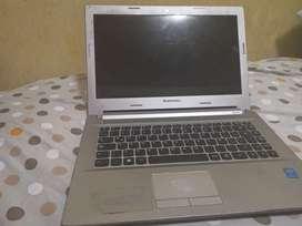 Laptop Lenovo z40-70 i5 (pantalla para reparrar)