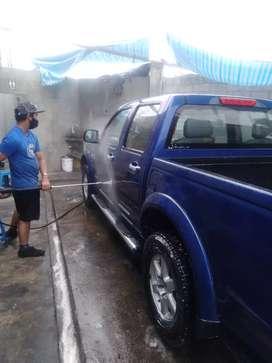 Lavadora y lubricadora ubicada en la prosperina  busca personal