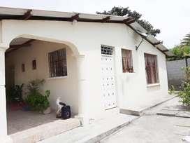 De Oportunidad! casa vacacional ubicada en ambuqui.