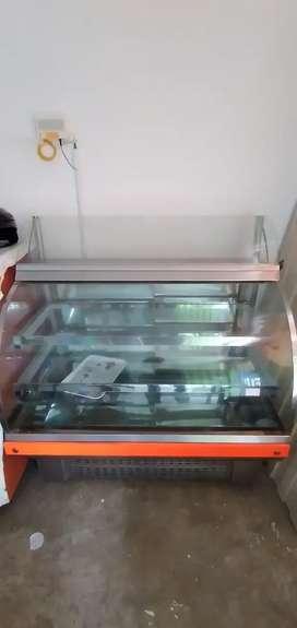 Se vende vitrina para panadería muy buen estsdo