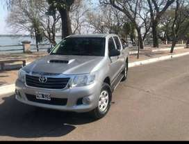 Toyota Hilux DX DOBLE CABINA 4X4
