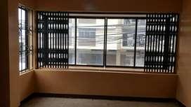 Se alquila un departamento con ventana a la calle en $200