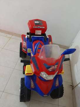 Moto montable para niño Usada.