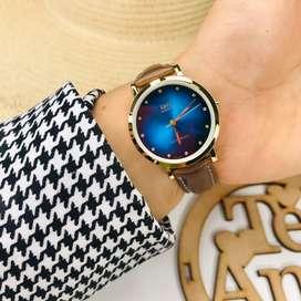 Reloj Q&Q original para dama pulso cuero