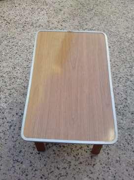 Mesa desayunador con borde de aluminio muy buena