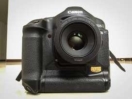 Cámara Canon 1ds Mark Ii Con Lente 50mm 1.8.