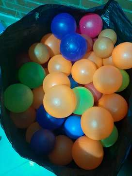 650 uds de Pelotas Plasticas Diferentes Colores