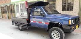 Vendo bonita camioneta con carrocería