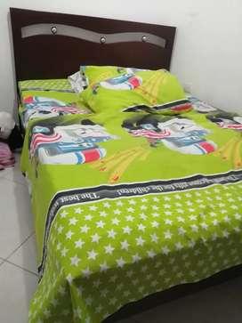Vendo cama con colchón  semiortopedico cama doble