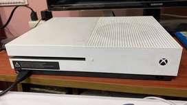 Xbox one S 500gb + 1 tb externo