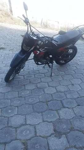 Vendo moto Ranger 2015
