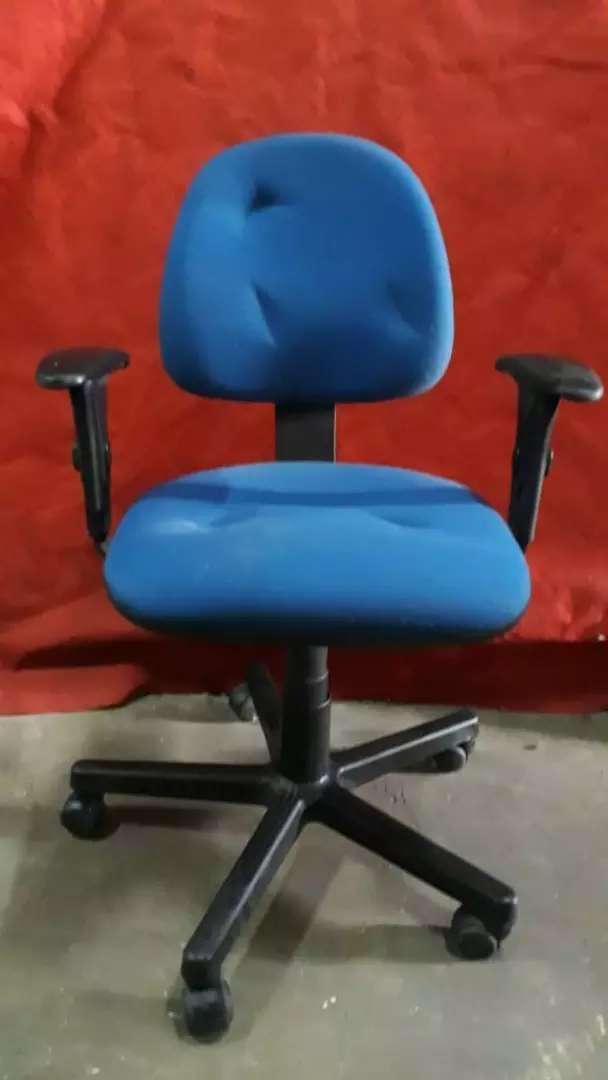 Sillas de oficina para escritorios de 5 ruedas 0