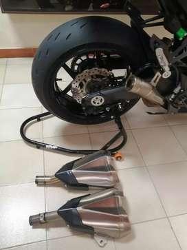 Se vende hermosa motocicleta kawasaki z1000sx