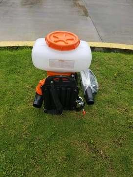 Moto fumigadora de 20 litros marca sthil con sus asesoríos